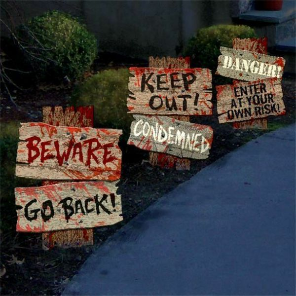Halloween Cemetery Path Signs - 30.4cm 3 pack